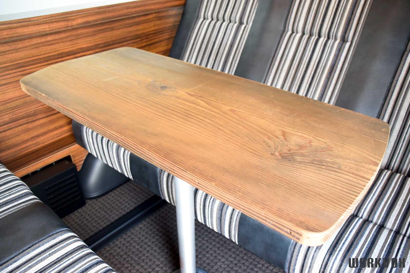 ハイエース オリジナルテーブル 無垢の木