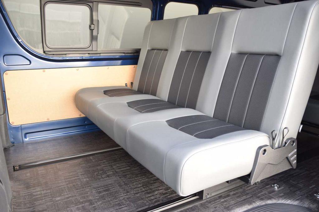 ハイエース セカンドシート i-seat