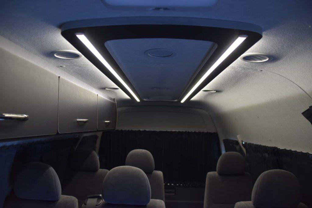 ハイエース 照明 プライベート空間